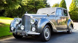 Bentley 1954 Wedding car. Click for more information.