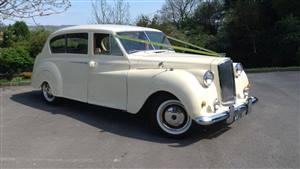 Austin 1961 Princess Ivory