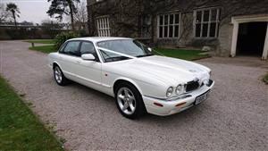 Jaguar XJ8 Wedding car. Click for more information.