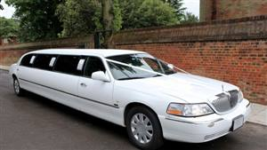 Lincoln Town Car Limousine Wedding car. Click for more information.