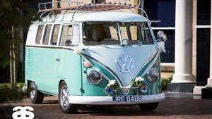 VW Campervan Split-Screen Turquoise & White