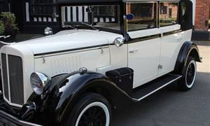 Cowley Landaulette Wedding car. Click for more information.