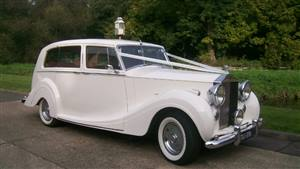 Rolls Royce Silver Wraith Wedding car. Click for more information.