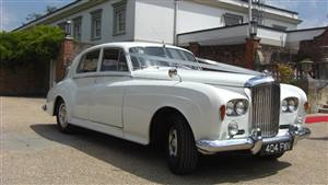 Bentley S3 Wedding car. Click for more information.