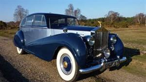 Rolls Royce 1952 Silver Wraith LWB Wedding car. Click for more information.