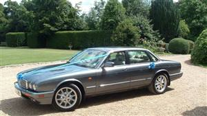 Jaguar XJ6 Wedding car. Click for more information.