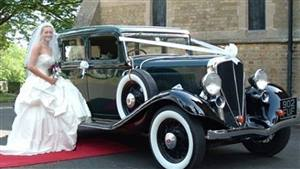 Studebaker 1933 Rockne Wedding car. Click for more information.