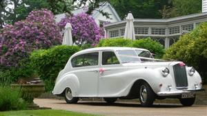 Vanden Plas 1965 Princess Wedding car. Click for more information.