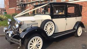 Imperial Viscount Wedding car. Click for more information.