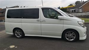 Nissan Elgrand XL Wedding car. Click for more information.