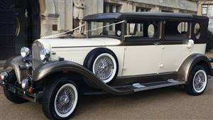 Brenchley Limousine Wedding car. Click for more information.