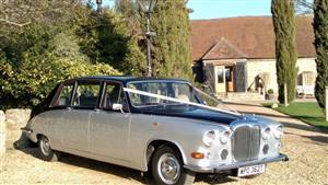 Daimler DS420 Wedding car. Click for more information.