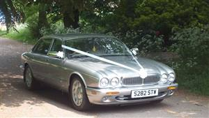 Daimler Super V8 Wedding car. Click for more information.
