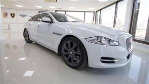 Jaguar XJ Wedding car. Click for more information.