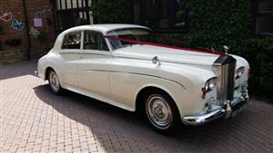 Rolls Royce Silver Cloud Wedding car. Click for more information.