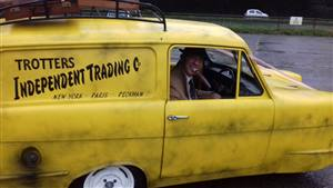 Reliant Robin Wedding car. Click for more information.