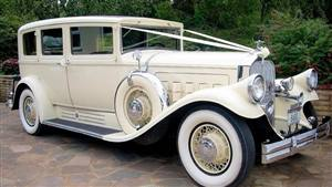 Pierce-Arrow 1930 Limousine Wedding car. Click for more information.