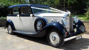 Rolls Royce 1938 Wraith Wedding car. Click for more information.