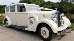 Rolls Royce 1939 Wraith A Wedding car. Click for more information.