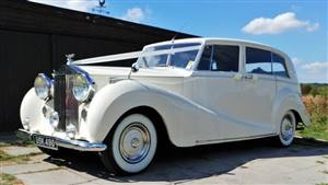 Rolls Royce 1953 Silver Wraith Wedding car. Click for more information.