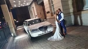 Lincoln Towncar Executive Royale Wedding car. Click for more information.