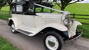 Heritage Badsworth Wedding car. Click for more information.