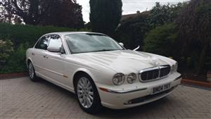 Jaguar XJ8 Wedding car. Click for more information.
