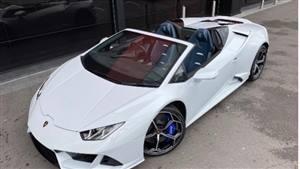 Lamborghini Huracan Spyder Wedding car. Click for more information.