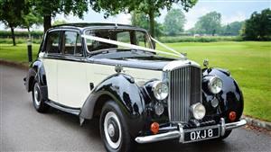 Bentley MK VI Wedding car. Click for more information.