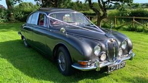 Jaguar Mk 2 Wedding car. Click for more information.