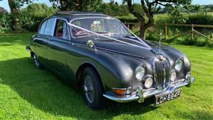 Jaguar 1967 MK2 Wedding car. Click for more information.